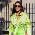 Neon chique: como usar a tendência e garantir looks estilosos no verão
