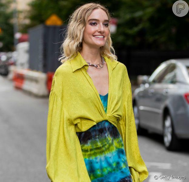 A moda retrô está de volta com a estampa tie dye!