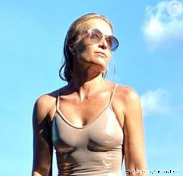 Angélica posou para o marido de maiô, aos 46 anos, e ganhou elogio de seguidores, como a filha de Baby Consuelo: 'Corpo escultural'
