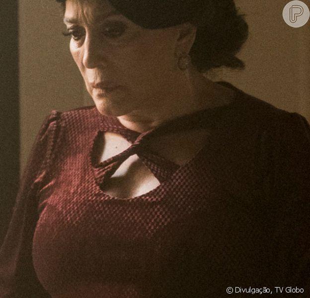 Nos próximos capítulos da novela 'Éramos Seis', Emília (Susana Vieira) dopa a filha Justina (Julia Stockler) após pesadelo da jovem