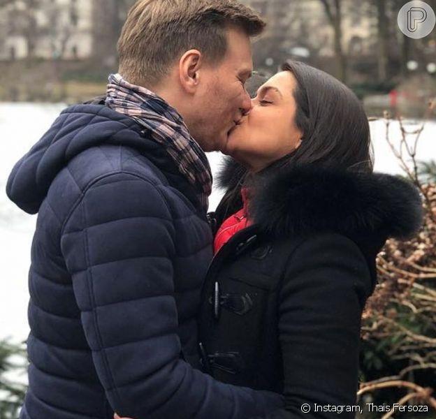 Thais Fersoza ganha beijo de Michel Teló em  festa surpresa de aniversário nos EUA nesta segunda-feira, dia 20 de janeiro de 2020