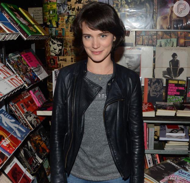 Bianca Bin elogiou Mariana Bridi, mulher de Rafael Cardoso, em foto de biquíni