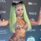 Looks mais artísticos do Baile da Vogue: famosas dispensam lingerie em fantasia
