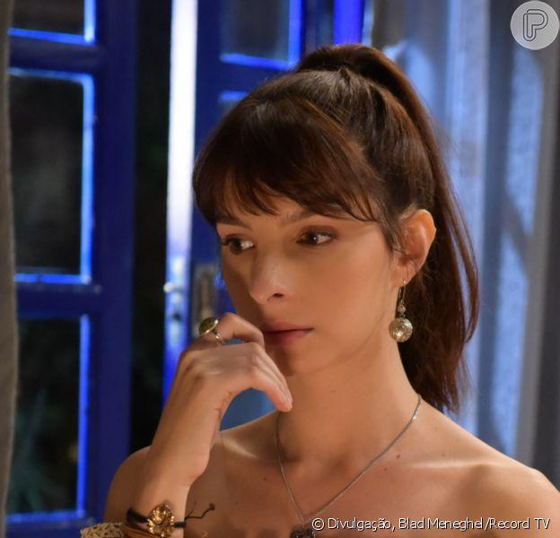 Nos próximos capítulos da novela 'Amor Sem Igual', Maria Antônia (Michelle Batista) dá um fora em Hugo (José Victor Pires) e Juliano (Raphael Montagner)