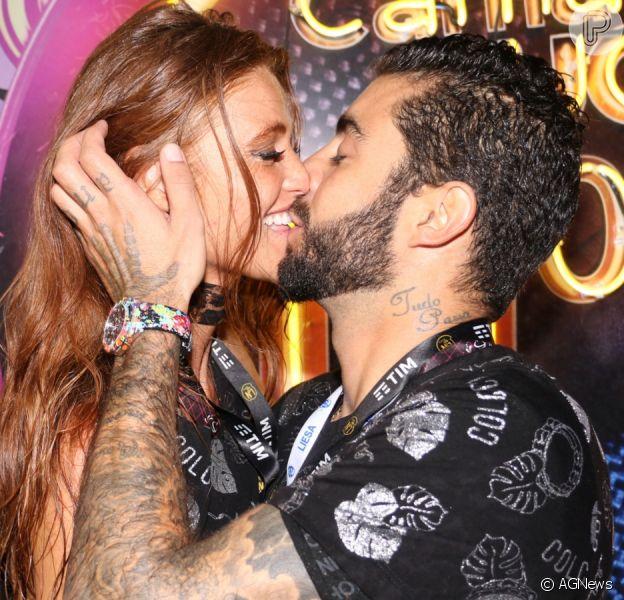 Pedro Scooby e Cintia Dicker celebram volta do relacionamento