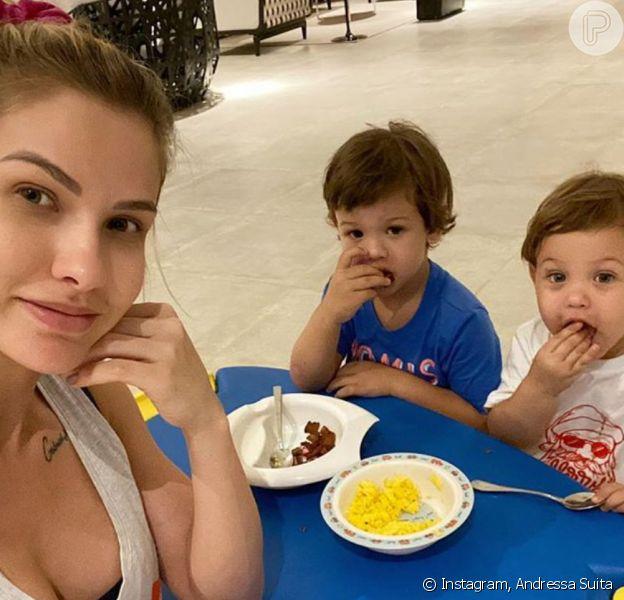 Andressa Suita filmou o filho mais novo, Samuel, contando que quer ser cantor igual ao pai, Gusttavo Lima. Veja vídeo compartilhado nesta sexta-feira, dia 13 de março de 2020
