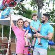 Andressa Suita dividiu o vídeo com o filho caçula, Samuel, no Instagram Stories