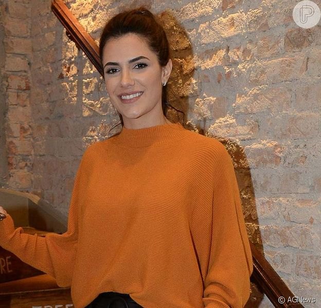 Jade Magalhães mostrou o look escolhido para acompanhar a live de Luan Santana