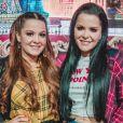 Maiara e Maraisa escolhem camisa xadrez para look de live no Youtube, em 23 de maio de 2020