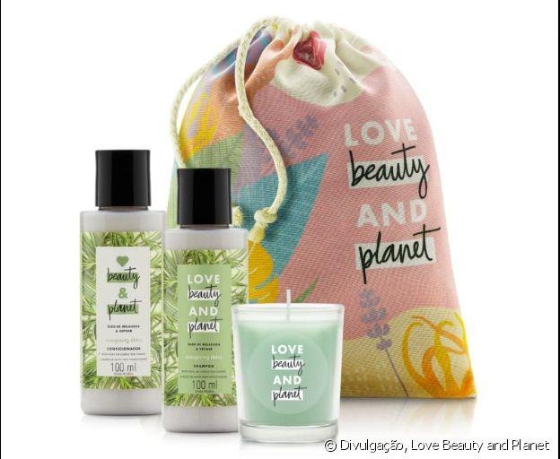 Os kits da Love Beauty and Planet têm produtos para cabelo e pele, além de acessórios exclusivos