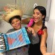 Festa junina em casa: Mileide e o filho, Yhudy, preparam arraiá em casa