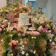 Festa de filha de Simaria tem tema de rosas e jardim encantado