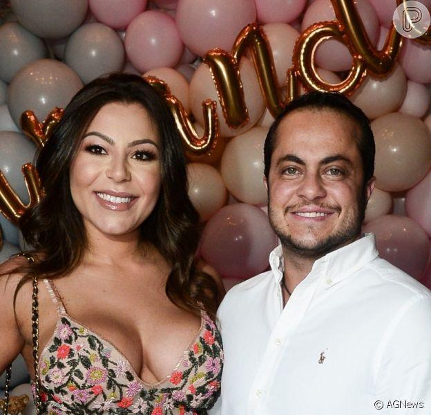 Após imprevisto, Andressa Miranda e Thammy Miranda puderam comemorar mêsversário do filho, Bento, com roupa de Capitão América