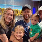 Neymar homenageia ex Carol Dantas em aniversário: 'Mãe super-heroína'