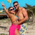 Foto de Zé Neto com mulher, Natália Toscano, em viagem chama atenção na web