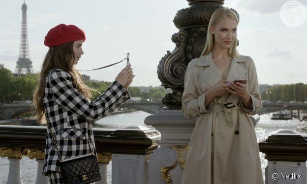 A série 'Emily In Paris' teve cenas gravadas na ponte Alexandre III