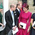 Kate Middleton apostou em look rosa escuro no casamento de Eugenie