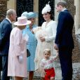 Kate Middleton usou look branco no batizado da segunda filha, Charlotte