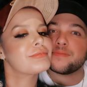 Cantora Maraisa posta foto com namorado e web aponta indireta para ex