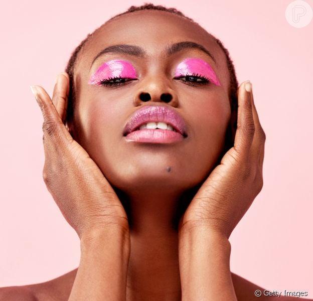 As tendências de maquiagem para pele negra na próxima temporada