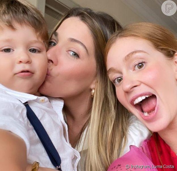 Marina Ruy Barbosa faz foto com Luma Costa e filho de amiga em festa