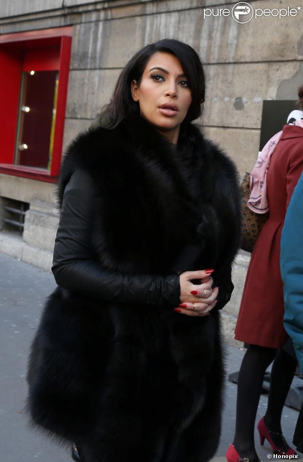 Kim Kardashian vai para hospital aos prantos com medo de um aborto, em 5 de março de 2013