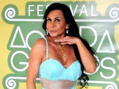 Gretchen se irrita com acusações de plástica na barriga e garante: 'É abdominal'