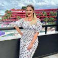 Marília Mendonça vai comandar live e levou o filho para conhecer bastidores de show