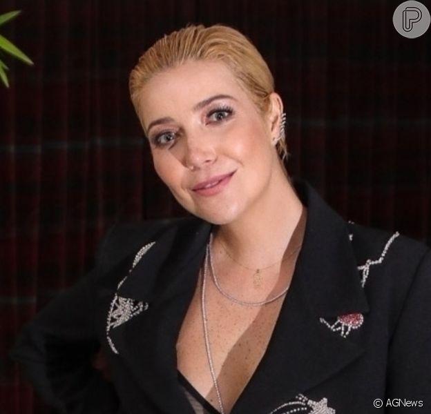 Luiza Possi, grávida pela segunda vez, brincou ao mostrar a barriga de 4 meses de gestação