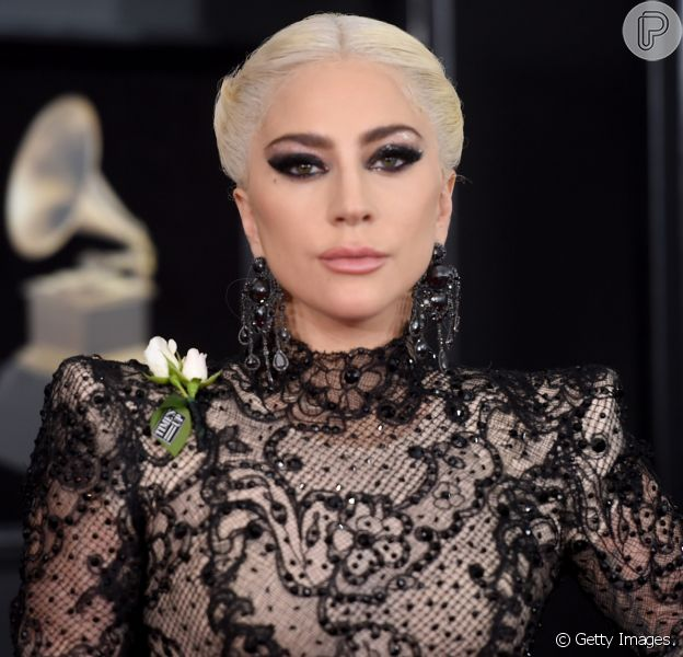 Lady Gaga revela ter sido vítima de abuso sexual