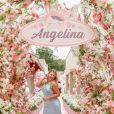 Natália Toscano exibe look para a festa de 1 ano da filha, Angelina
