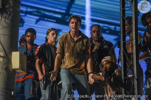 Gabriel Leone vive o bandido Pedro Dom na série 'Dom'