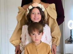 Simaria reúne marido e filhos em foto rara e expressão do caçula rouba a cena
