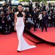 Bella Hadid usou vestido vintage da grife Jean Paul Gautier na abertura do Festival de Cannes