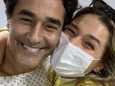 Xuxa comemora saída de Luciano Szafir da UTI postando foto do ator com Sasha: 'Felicidade'