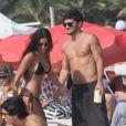 Bruno Gissoni tinha dito em entrevista que não queria namorar no momento, mas apaixonado, não aguentou e assumiu o namoro com a atriz