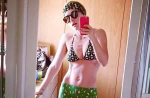 Angélica mostra barriga sarada em foto de biquíni: 'Fazendo a blogueira'