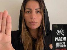 Walkyria Santos usa camisa com foto do filho em Brasília para pedir lei anticiberbullying