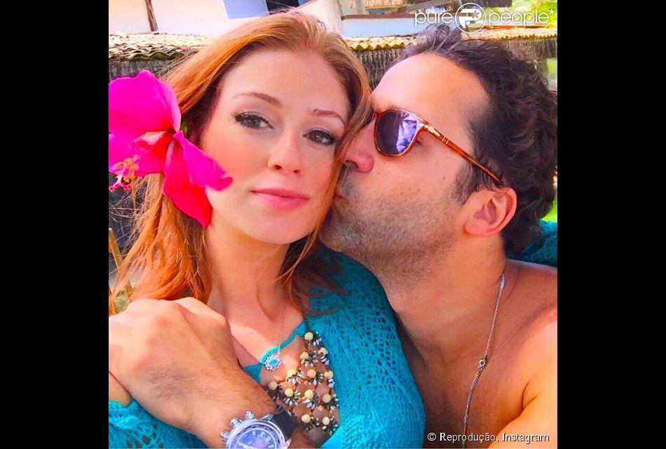 Marina Ruy Barbosa recebeu carinho do namorado, o empresário Caio Nabuco