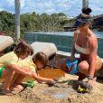 Andressa Suita está curtindo dias de descanso na Bahia ao lado da família