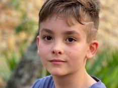 Filho de Ana Hickmann dá colo a pet em foto e beleza do menino rouba a cena: 'Lindo'