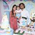 Filha de Eike Duarte e Natalia Vivacqua completou 1 ano e ganhou festa dos pais