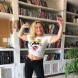 Vera Fischer exibe corpo em fotos e recebe elogios de fãs