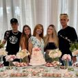 Gêmeas de Gugu levam namorados à festa da mãe, Rose Miriam