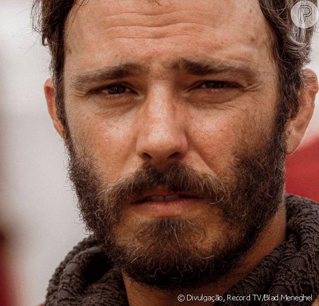 Novela 'Gênesis': Judá (Thiago Rodrigues) decide deixar acampamento por não suportar mentir para o pai, Jacó (Petronio Gontijo)
