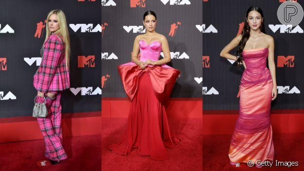 Avril Lavigne, Olivia Rodrigo e Camila Cabello escolheram produções com vermelho e rosa como destaque