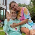 Virgínia pede orações para o pai, que está internado novamente