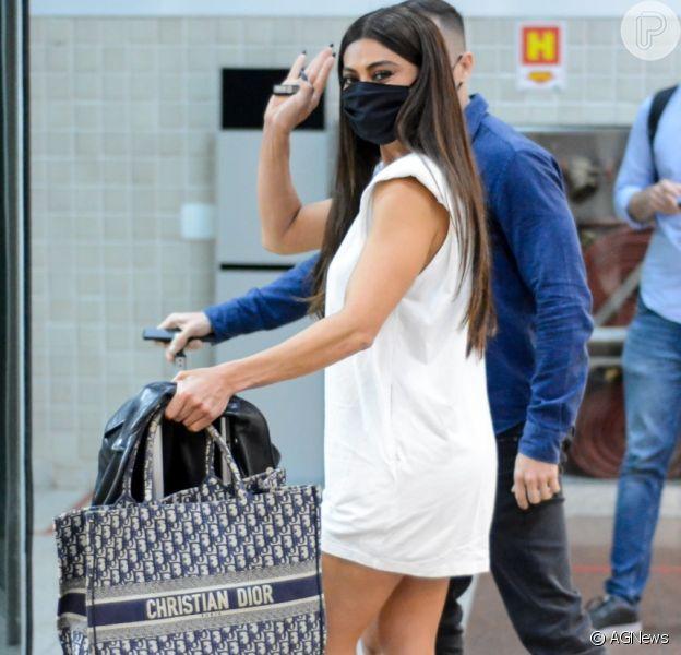 Juliana Paes usou bolsa da grife Dior, avaliada em pouco mais de R$ 17 mil