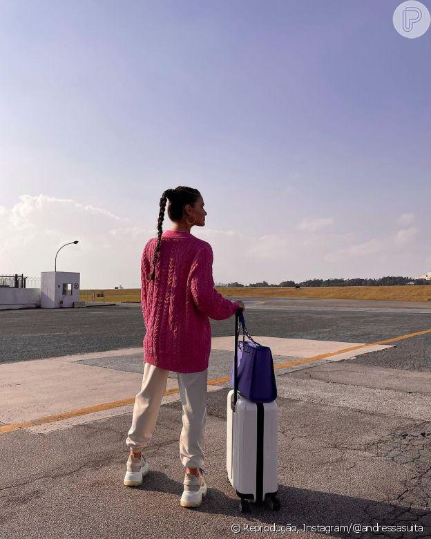 Aerolook de Andressa Suita é marcado por bolsa grande