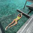 Cleo posou em uma rede nas Maldivas para fazer as fotos